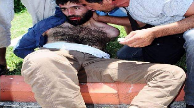 CANLI BOMBACIYI ADANALILARIN ELİNDEN POLİS KURTARDI