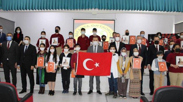 İSTİKLAL MARŞI'NIN KABULÜ CEYHAN'DA KUTLANDI