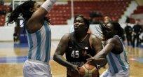 Türkiye Kadınlar Basketbol Ligi'nde Adana ASKİ, sahasında Samsun Canik Belediyesi'ni 70-58 yendi.
